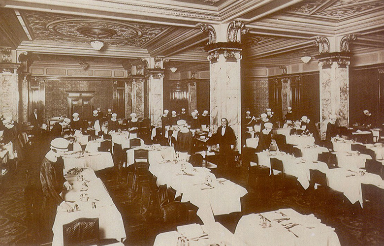 bar-americain-interior-old-photo