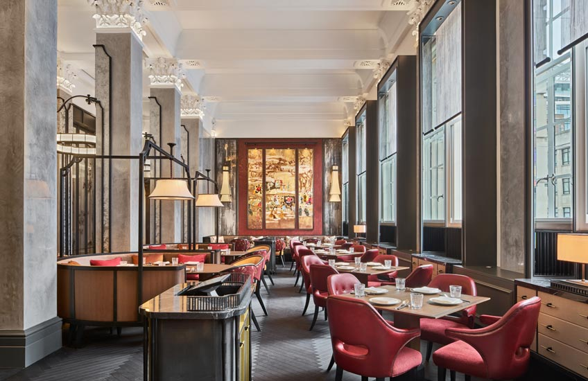 Mei Ume restaurant – Four Seasons Hotel London at Ten Trinity Square – Dining Room – LuxDeco.com Style Guide