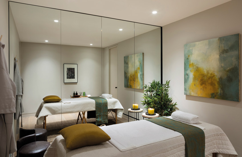 How To Create A Healthy Home For The New Year – Residential Spa Room – Echlin Levenston House – Read more in the LuxDeco.com Style Guide