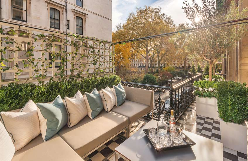 London Terrace, Outdoor Space Ideas | Katharine Pooley | Read more in The Luxurist | LuxDeco.com