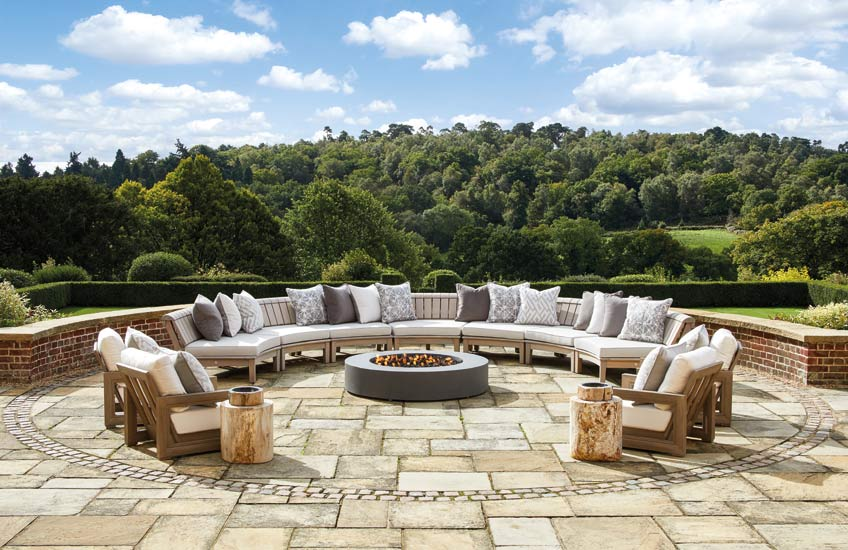 Curved Garden Furniture, Outdoor Space Ideas | Laura Hammett | Read more in The Luxurist | LuxDeco.com