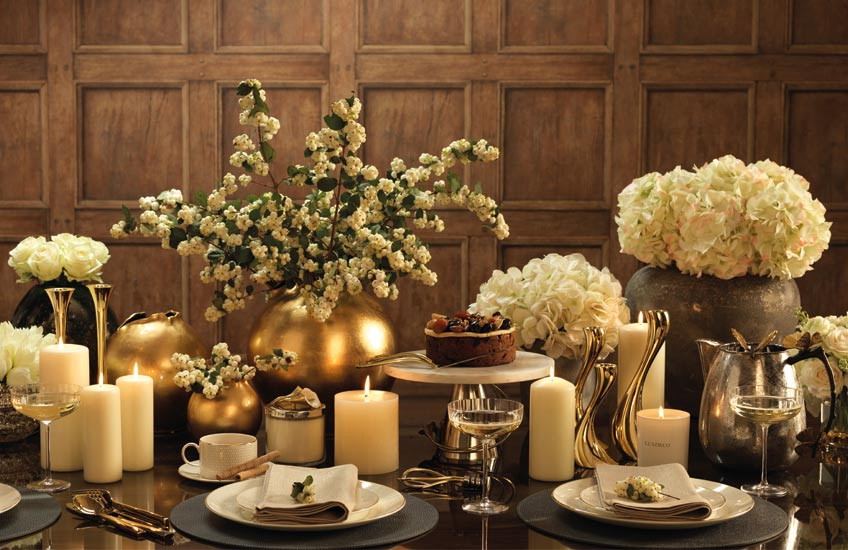 Luxury Christmas Entertaining Ideas | LuxDeco Christmas Gift Guide | Read more in the LuxDeco Style Guide