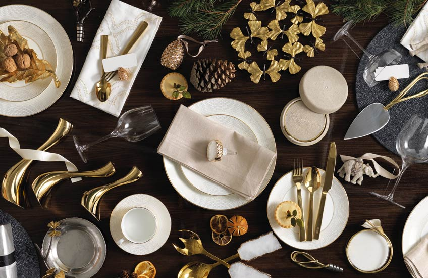 Luxury Christmas Dinnerware | LuxDeco Christmas Gift Guide | Read more in the LuxDeco Style Guide