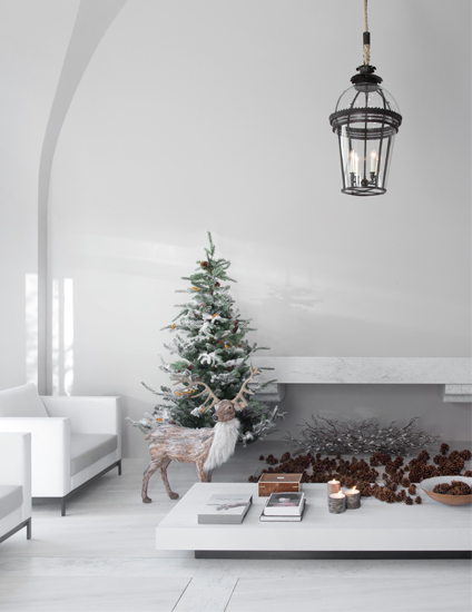 Christmas Colour Schemes |  Scandinavian Christmas Decor | Image courtesy of Guillaume Alan | LuxDeco.com