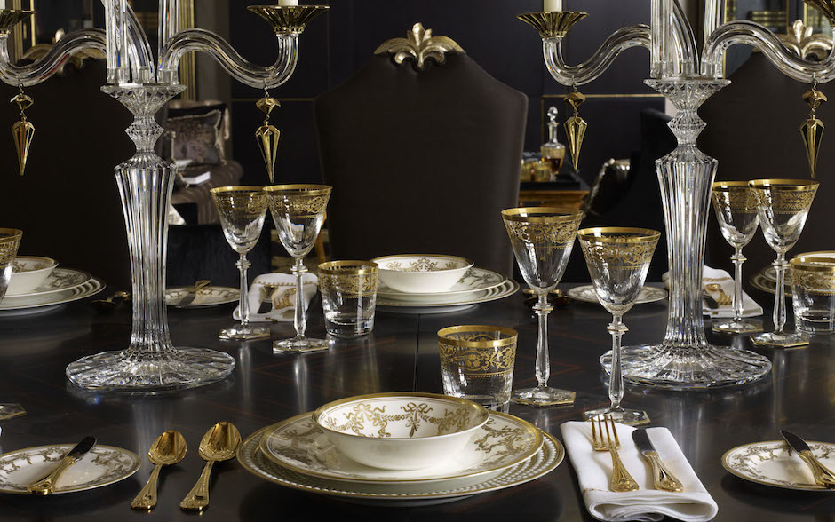 Luxury Christmas Table Decor Ideas – Oliver Burns – LuxDeco.com